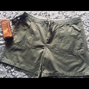 old Navy size 16 shorts